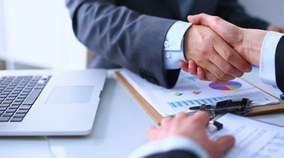 client deal shake hands