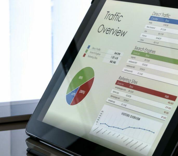 visualizzazione del grafico di panoramica del traffico su un dispositivo tablet