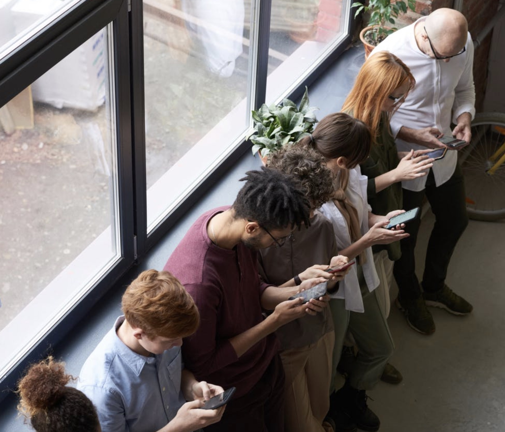 people using their mobille phones