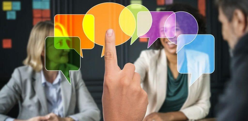 social discussions chat bubbles